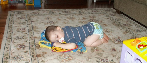 1-year-old ET asleep in the living room. I wonder what he was dreaming about then.